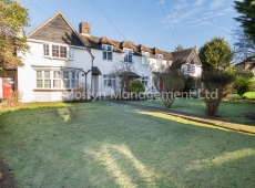 Elegant & spacious, two double bedroom apartment at the converted Merton Park Golf Club House, SM4