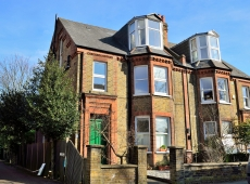 BEDSIT flat in excellent order on Southey Road, SW19 – LET AGREED
