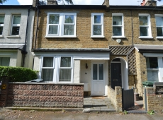 Pleasent 2 Double Bed House on The Path, SW19 – LET AGREED