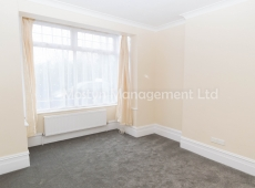 Newly refurbished 1 Double bedroom G/F Flat in Sutton – Available now!