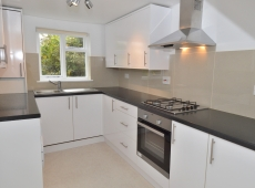 1 Double bed flat on Clapham Common, Southside, SW4 – LET AGREED