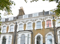 1 double bedroom flat on the highly desirable Clapham Common South Side – Available July