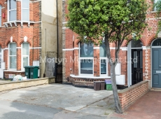 NEWLY REFURBISHED One double bedroom Garden flat in a truly excellent location! SW19 – LET AGREED