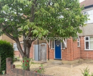 Bright first floor unfurnished flat with private Garden on Martin Way, SM4 – AVAILABLE NOW