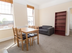 One Double Bedroom Top Floor Flat on Leopold Road, SW19 – LET AGREED