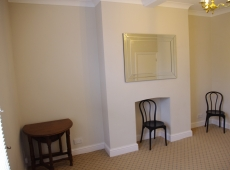 One double bedrrom first floor flat on Merton Road, SW19 – Available May