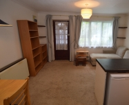 Newly Redecorated Double Bedroom Flat on Thorburn Way, London – LET AGREED